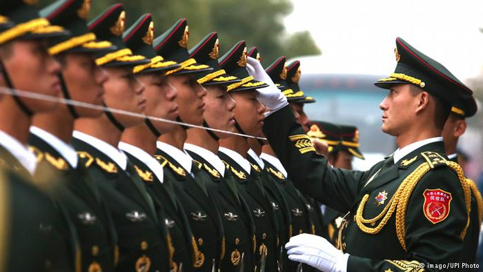 China-Honor-Guard_line-control